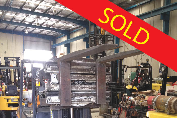 SOLD – Cascade Rotating Fork Clamp