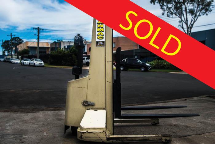 SOLD – Crown 905kg Electric Walk Behind Forklift