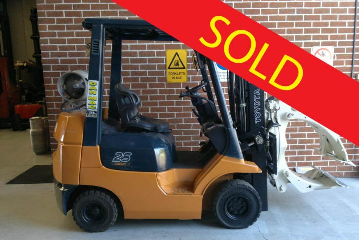 SOLD – Toyota 2.5 Tonne LPG Counter Balanced Container Mast Forklift