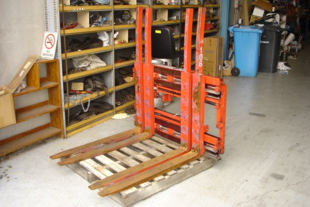 Meyer Twin Pallet Handler 2