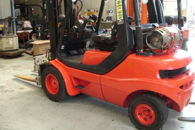 Linde 3.5 Tonne LPG Counter Balanced Container Mast Forklift