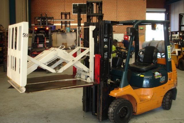 forklift for hire toyota 2.5 tonne lpg counter balanced 61