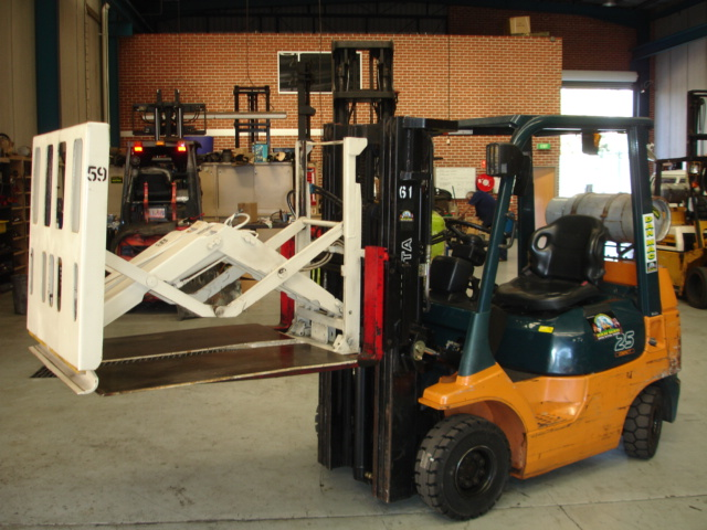 Toyota 2.5 Tonne LPG Counter Balanced Container Mast Forklift