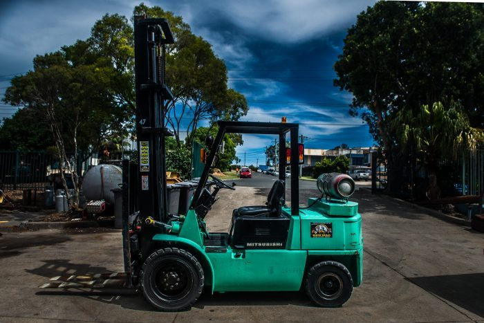 Mitsubishi 4 Tonne LPG Counter Balanced Forklift