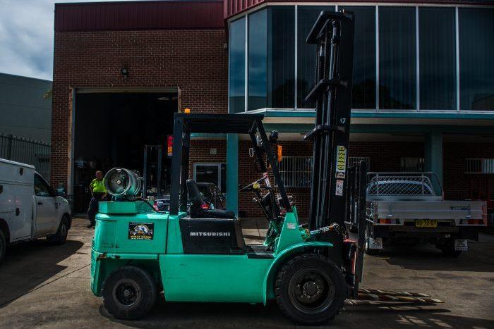 Mitsubishi 4 Tonne Counter Balanced LPG Forklift