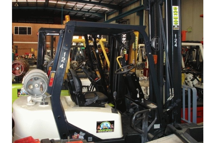 Crown 2.5 Tonne (2500kg) LPG Counter Balanced Forklift