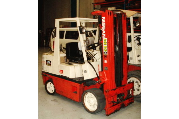 Nissan 3.5 Tonne (3500kg) LPG Counter Balanced Forklift