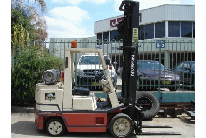 Nissan 4 Tonne (4000kg) LPG Counter Balanced Forklift