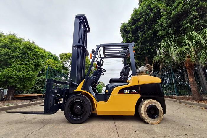 Caterpillar 3.5 Tonne (3500kg) LPG Forklift