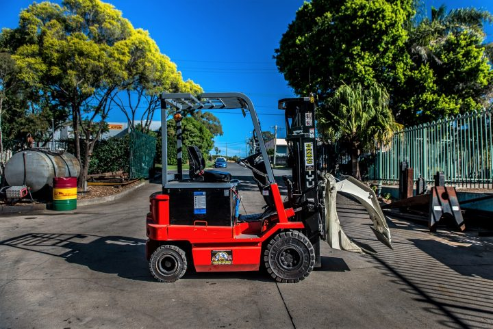 NYK 2.5 Tonne (2500kg) Electric Counter Balanced Forklift
